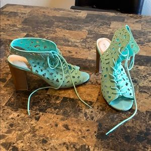 Bamboo Mint Green Tie-Up Sandal